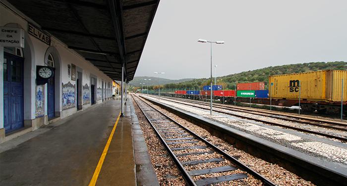 Teixeira Duarte inicia modernização da Linha do Leste