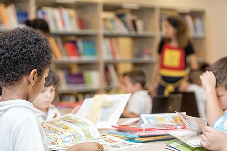 Atividade na Área da Educação